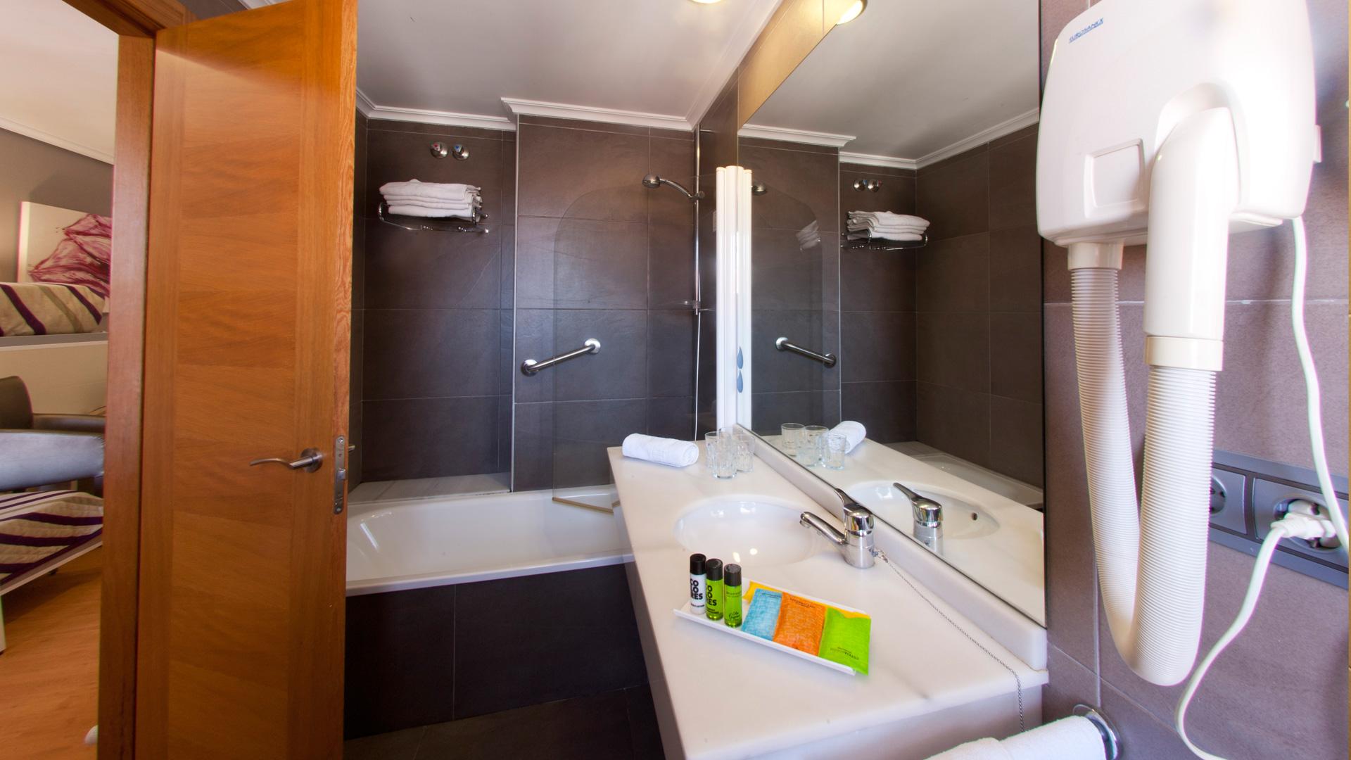 hotel-las-olas-baño-02