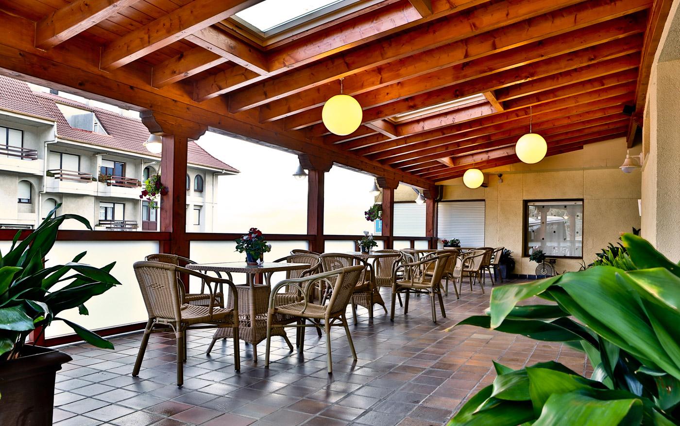 hotel-las-olas-noja-terraza